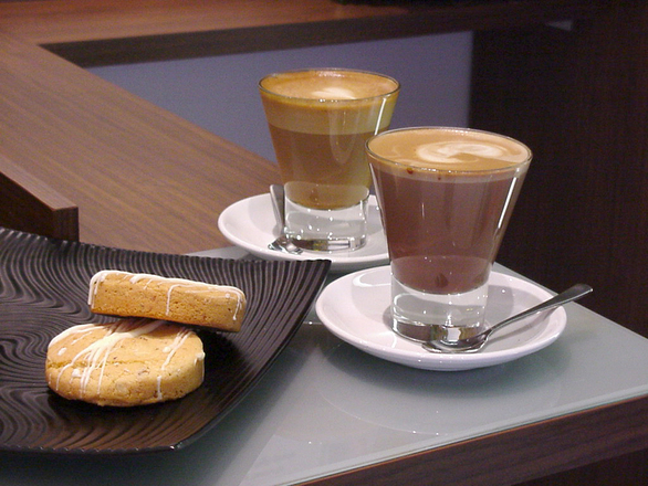 coffee-and-biscuits-1475385